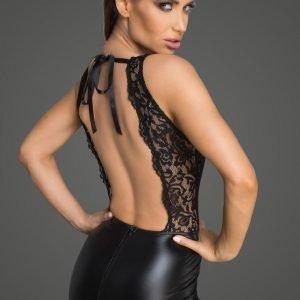 Minikleid mit tiefem Ausschnitt am Rücken